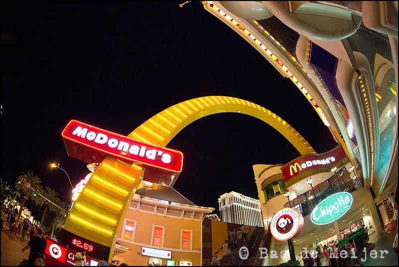 Las Vegas Boulevard, NV (USA), 02-09-2012 23:50